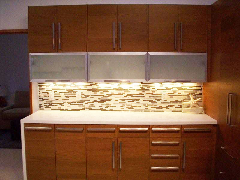 Tile Backsplash In An Ikea Transitional Kitchen With Adel Door Styl Pictures